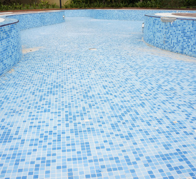 swimming-pool-draining-services